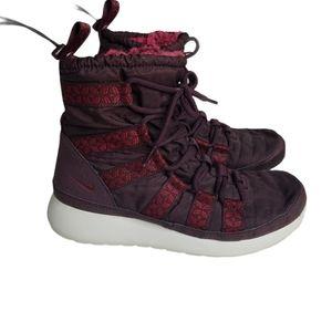 NIKE Roshe Run Hi Sneakerboot Magenta Print Size 7